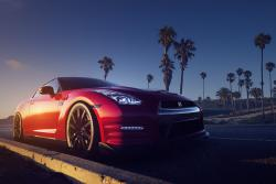 Red Gt-r Sundown Palms Road